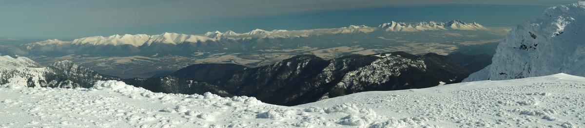 Západné a Vysoké Tatry z Ďumbieru