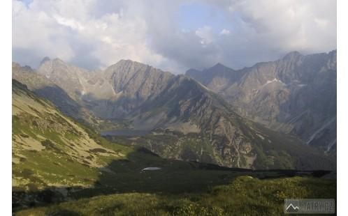 Temnosmrečinská a Hlinská dolina z Kobyliej dolinky