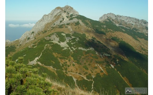 Giewont a Kondracka Przełęcz při výstupu na Kondrackou Kopu