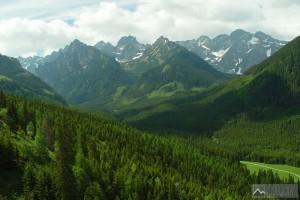 Bielovodská dolina ze svahů Holice