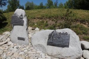 Pamětní desky významným botanikům a geologům Tater