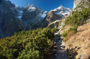 Pyšný a Čierny štít při stoupání do Červené doliny