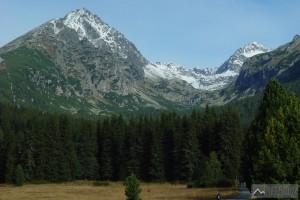 Soliskový hřeben a Mlynická dolina od Štrbského plesa