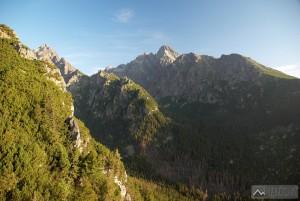 Prostredný hrot, Lomnický štít a ústí Studených dolin z vyhliadky