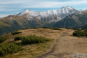 Klin, Jakubiná a Hrubý vrch z cesty mezi Lúčnou a Rákoněm