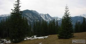 Výhled z Polany Niźnie Stoły na Červené vrchy