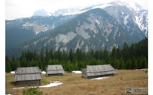 Polana Stoły, v pozadí Giewont a Červenné vrchy (Temniak)