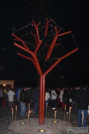 Strom ve Starém Smokovci připomíná kalamitu 2004